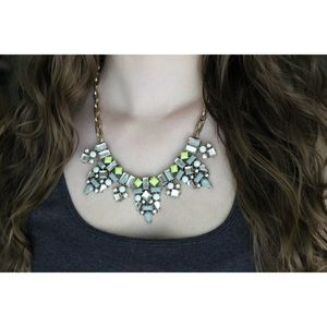 Jewelry - Delicate Statement Necklace